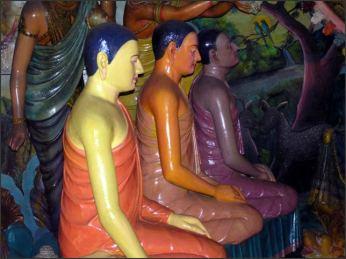 Cizinci, přinášející Buddhovi vzácné cizokrajné byliny a pryskyřice k vykuřování při meditaci. * Foreigners bringing Buddha rare exotic herbs and resins for fumigation during meditation.