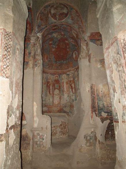 Vesnice v soutěsce BELISIRMA - kostely ve skále.