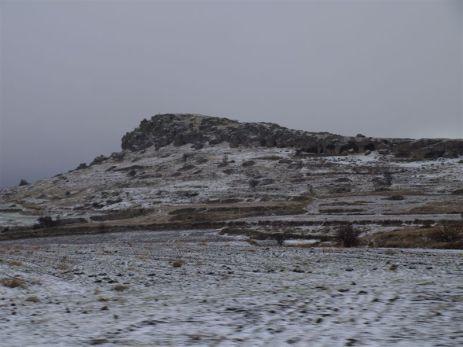 IHLARA. Počasí na konci dne lehce mrazivé, po kroupách přišel sníh a blesky.