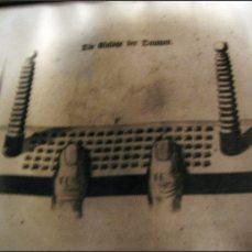 """Z mučírny v sighisoarské citadele - návod na """"Blogerskou odvykačku"""": prsty položit na klávesnici do obvyklé klávesnicové polohy"""