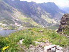 Od jezera Balea Lac se vydejte na několik túr, alespoň na tu nejkratší, nahoru na kopec (cca hodina), kde je z jedné strany výhled na Sibiu a jak stoupáte, čím dál krásnější pohled na Balea Lac..........