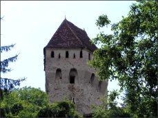 ...s pětibokou věží cechu řezníků...
