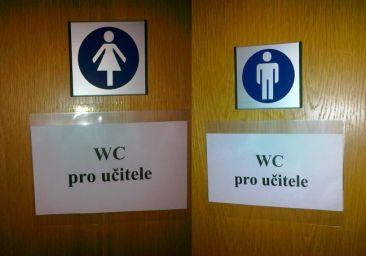 Unisex po česku. To ten gender nikdo nekontroluje, nebo co?