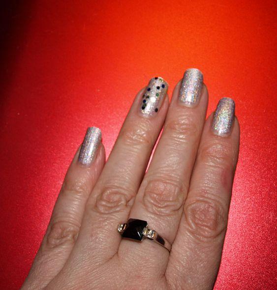 Šest dní nalakované nehty (China Glaze holograf)