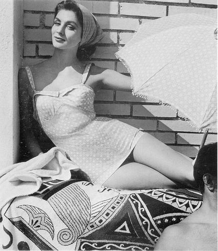 Suzy Parker v plavkách Fath.  Zdroj: archiv Fath