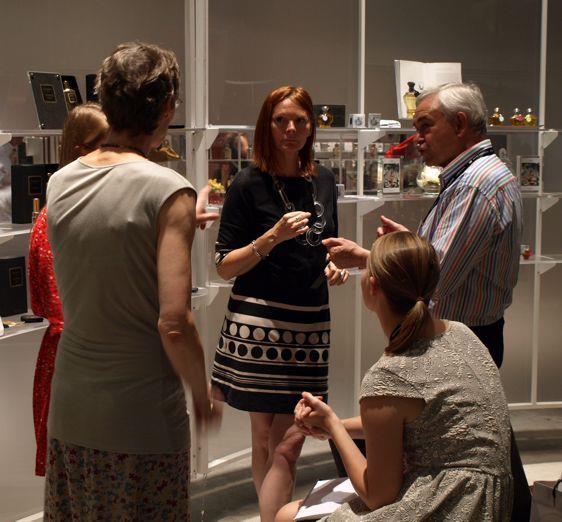 Paní Rudičová s rodinou Brooke, majiteli značky Grossmith, obdivuje novinky pro ork 2012 na Pitti Fragraze ve Florencii.