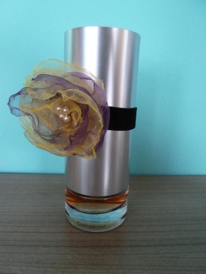 Posílám fotku mého oblíbeného parfému od Calvina Kleina. Dostala jsem ho od své tety k narozeninám a trefila se mi do vkusu, je to můj velký oblíbenec!