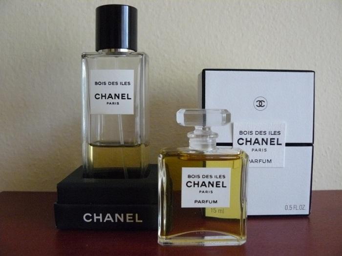 Ráda se zúčastňuji a posílám tedy fotku svého nejoblíbenějšího parfémového skvostu.