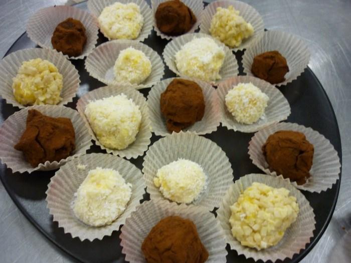 Zdroj: http://chefalessandrotannoia.blogspot.cz/2010/11/cioccolato-corso-di-pasticceria-il.html (máte tam i recepty!)