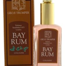 Bay Rum, zcela výjimečná klasická kolínská s vůní rumu: https://www.luxusni-holeni.cz/detail/geo-f-trumper/toaletni-vody-a-kolinske/geo-f-trumper-bay-rum-kolinska/